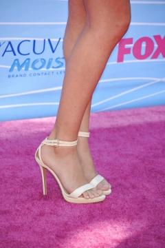 Selena Gomez legs and feet