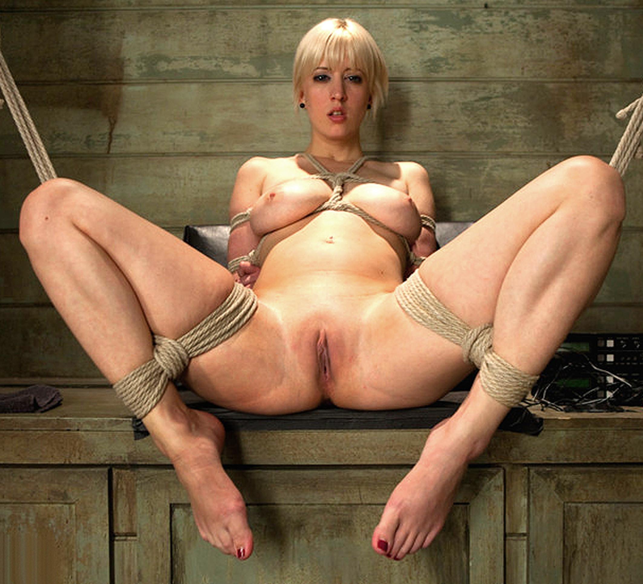 Фото голые связанных женщин 26 фотография