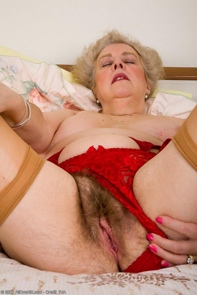 старые бабки истарухи в порно