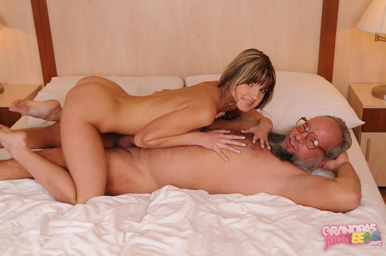 Смотреть извращённые порно ролики онлайн 5 фотография