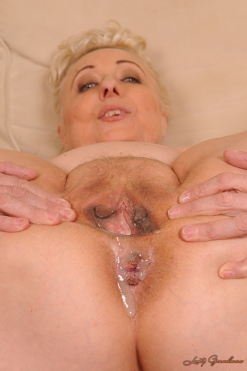 Фото сперма после секса на пожелых женшин 10 фотография