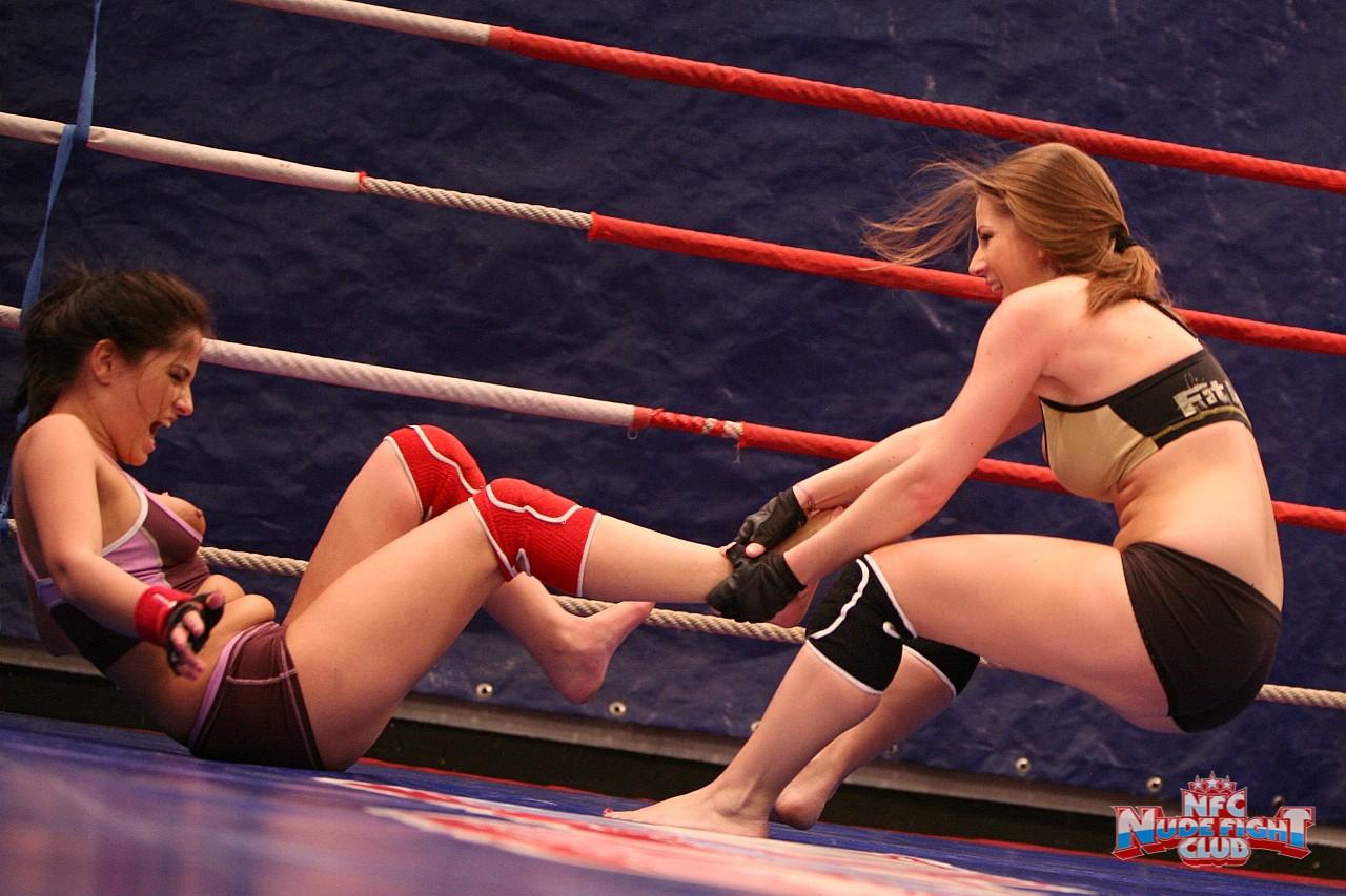 Чистая победа лесби на ринге 7 фотография