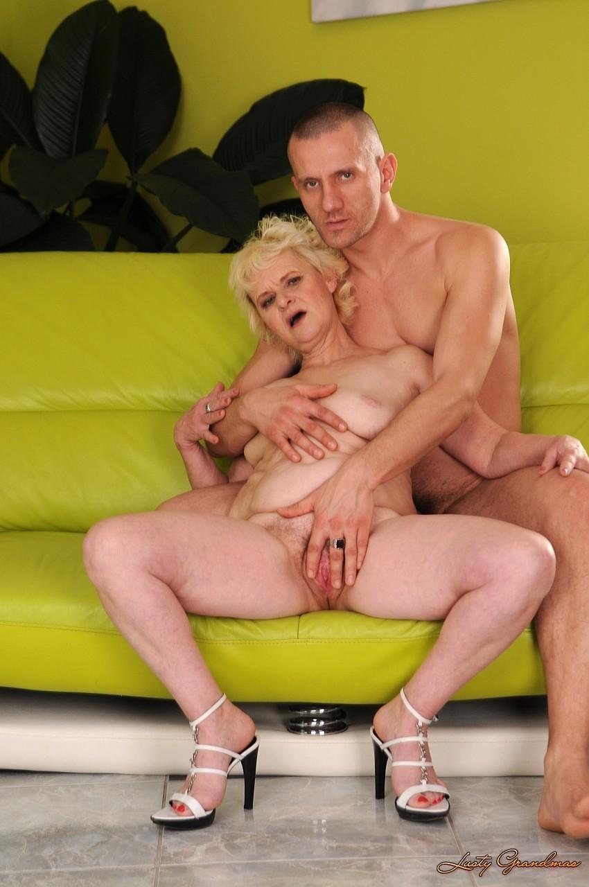 Сексуальные забавы пожилых 8 фотография