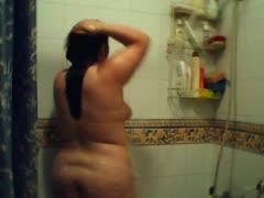 bbw-adriana-shower