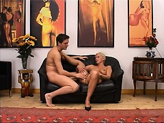 blonde-mature-having-pussy-fisted-hard