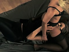 blackhair-babe-gets-fucked-with-strap-on
