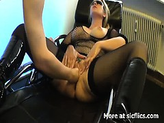 blond-milf-fist-fucked-in-her-insatiable-vagina