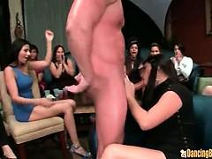 amateur-girl-gets-huge-jizz-facial-from-stripper