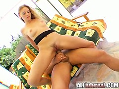 the-gorgeous-victoria-swinger-gets-her-little-ass