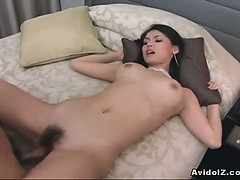japanese-babe-gets-busy-with-her-boyfriend-uncensored