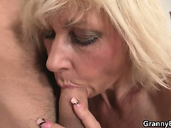 blonde-allows-him-drill-her-old-snatch