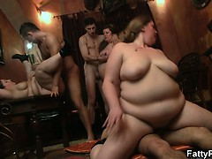 fat-girl-enjoys-two-cock-from-both-ends