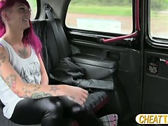 tattooed-amateur-gets-nailed-in-taxi-after-showing-her-tats