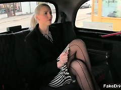 hot-blonde-babe-gets-her-pussy-licked-part2