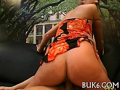lesbians-gets-group-pissing