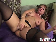 extreme-horny-housewife-maggie