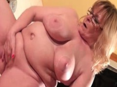 naked-older-woman-who-is-so-fat-part3