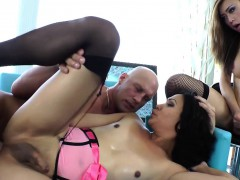 Shemale Trannies Fucking Guy In Threesome