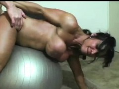 super-hot-muscled-big-tit-milf