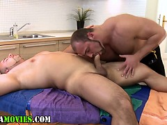 chubby-amateur-and-bear-masseur