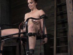 bdsm-sub-bella-rossi-tortured-electronically