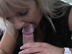 taxi-driver-screwed-a-blonde-mature-cougar-in-the-backseat