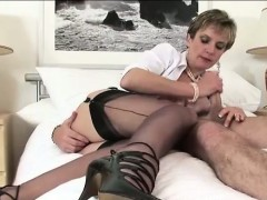 lady-sonia-gets-cunt-slammed
