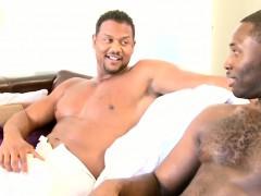 gaysex-amateur-black-hunks-drilling-hole