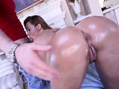klara-gold-takes-cum-in-her-ass