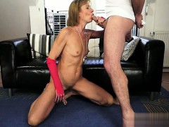 busty-cowgirl-bondage-squirt