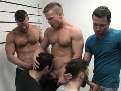 prison-line-up-that-turns-into-a-bj-orgy