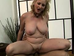 Hot slut ball sucking