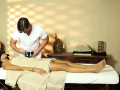asian-babe-spycam-massage