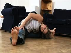 busty-contortion-teen-kamasutra
