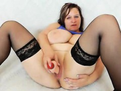 olena-gapes-her-puss-and-masturbates-in-addition-to-a-thick