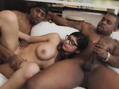 horny-hottie-chick-mia-khalifa-strokes-her-large-cock
