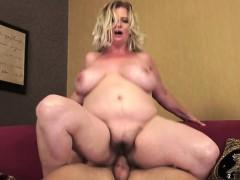 amateur-couple-orgasm-squirt