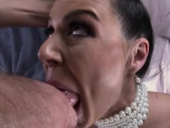 kendra-lust-cant-get-enough-deep-inside-or-on-her-chest
