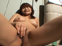 hot-asian-slut-is-toy-fucking-her-clit-so-she-cums