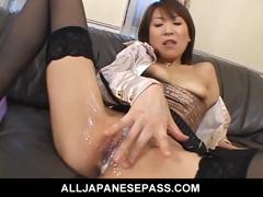 jun-kusanagi-lovely-asian-model-plays-in-her-pussy-with