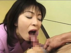 Kinky wife from Japan loves food dressed with semen www.layardewasa.com