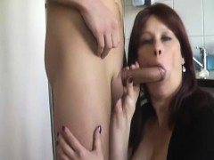 she-wanted-young-dick-in-mature-pussy