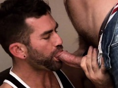 Muscle Dilf Assfucked Before Cumshot