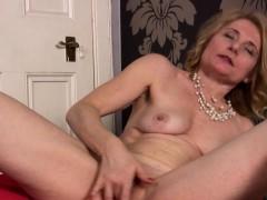 hot-milf-isabella-strips-down-and-masturbates