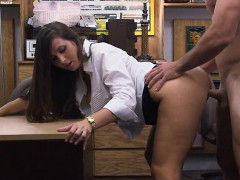 big-butt-amateur-brunette-babe-pawns-her-twat-and-banged