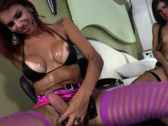 shemales-gabriela-and-fernanda-banging-each-others-tight-ass