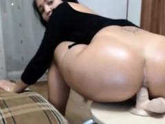 big booty milf anal dildo fucking on chair – تعشق نيك خرمها وطيزها كبير ساخن جدا