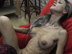 skinny-milf-lapdances-gives-bj-and-fucks-in-few-positions