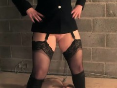 english-bondage-domina-pees-on-weak-sub