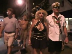 boozed-nude-housewives-in-the-streets-of-new-orleans